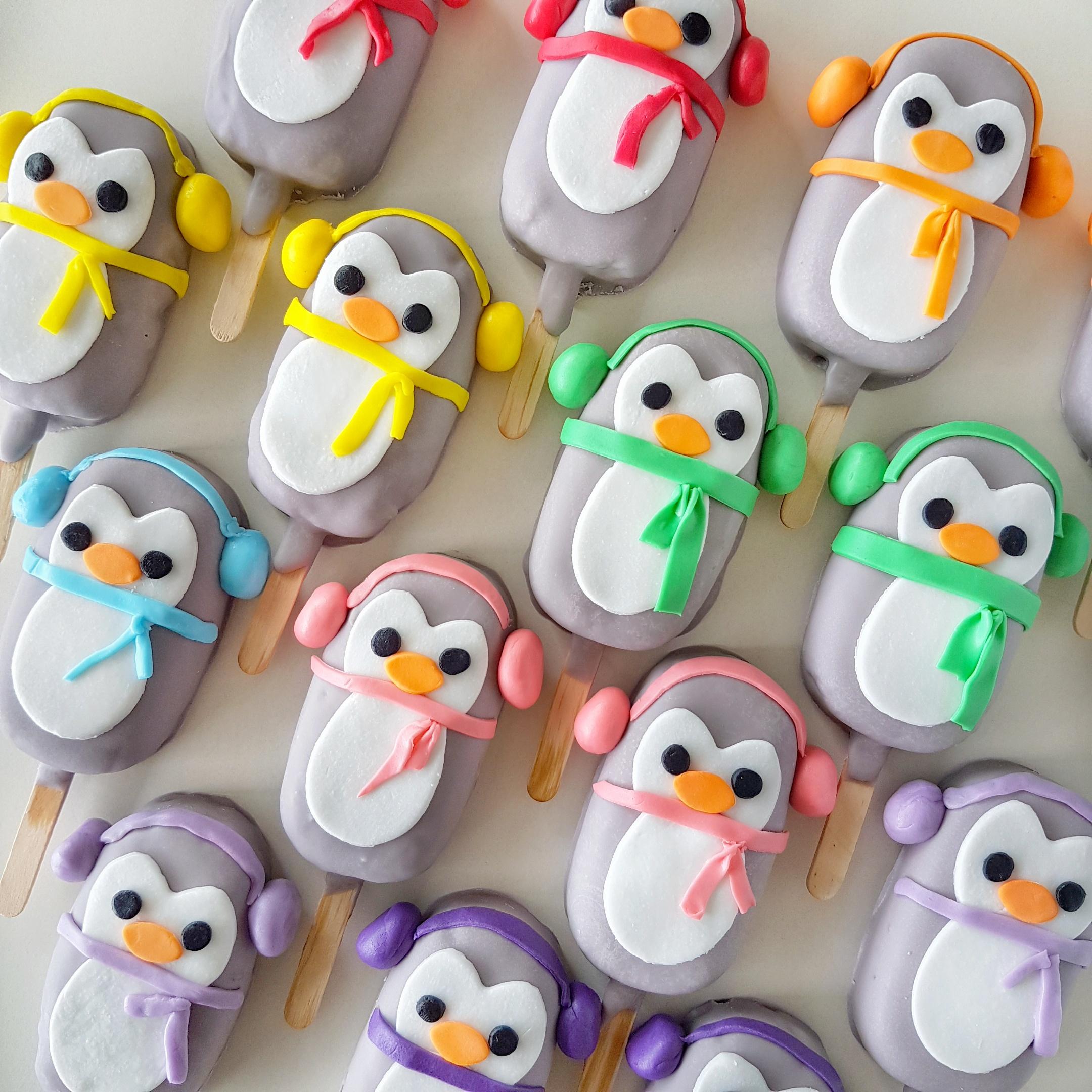 Winter Penguin Cake Pops - The Baking Experiment